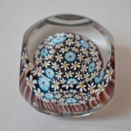 Glass-Paper-Weight,