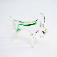 glass-bull-figurine,