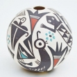 Acoma-Pueblo-American-indian-pottery, Seed-pot-P.-Iule.